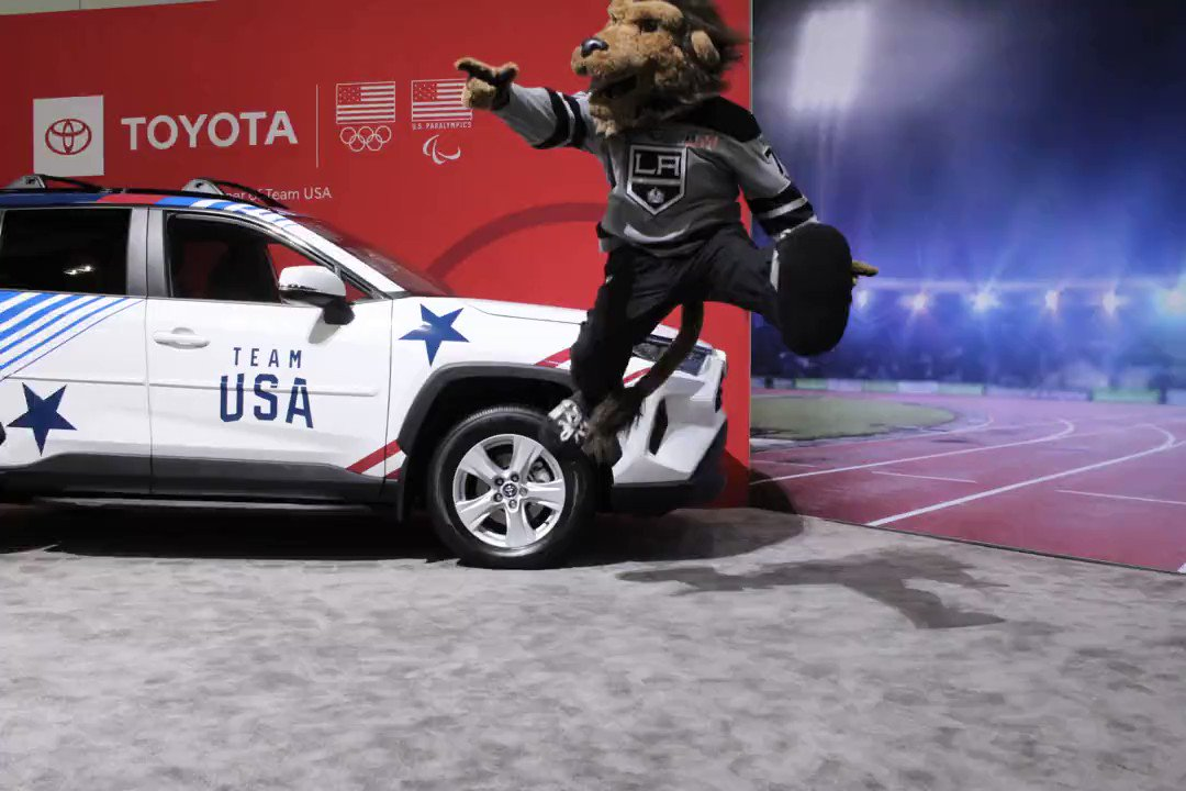 Look at that form! A great effort from @BaileyLAKings #LAAutoShow