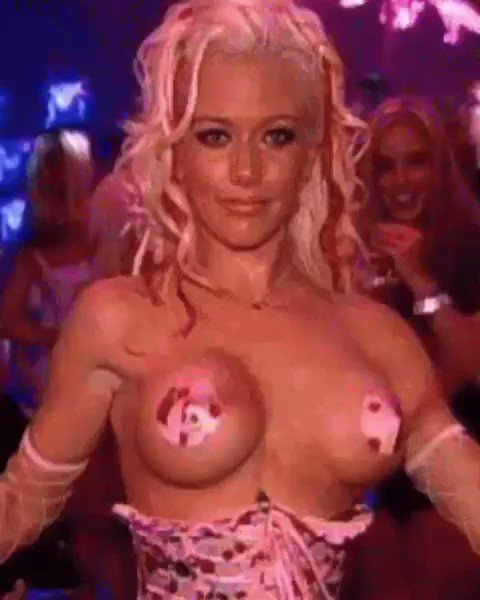 Kendra wilkinson shows off flatter chest after hinting