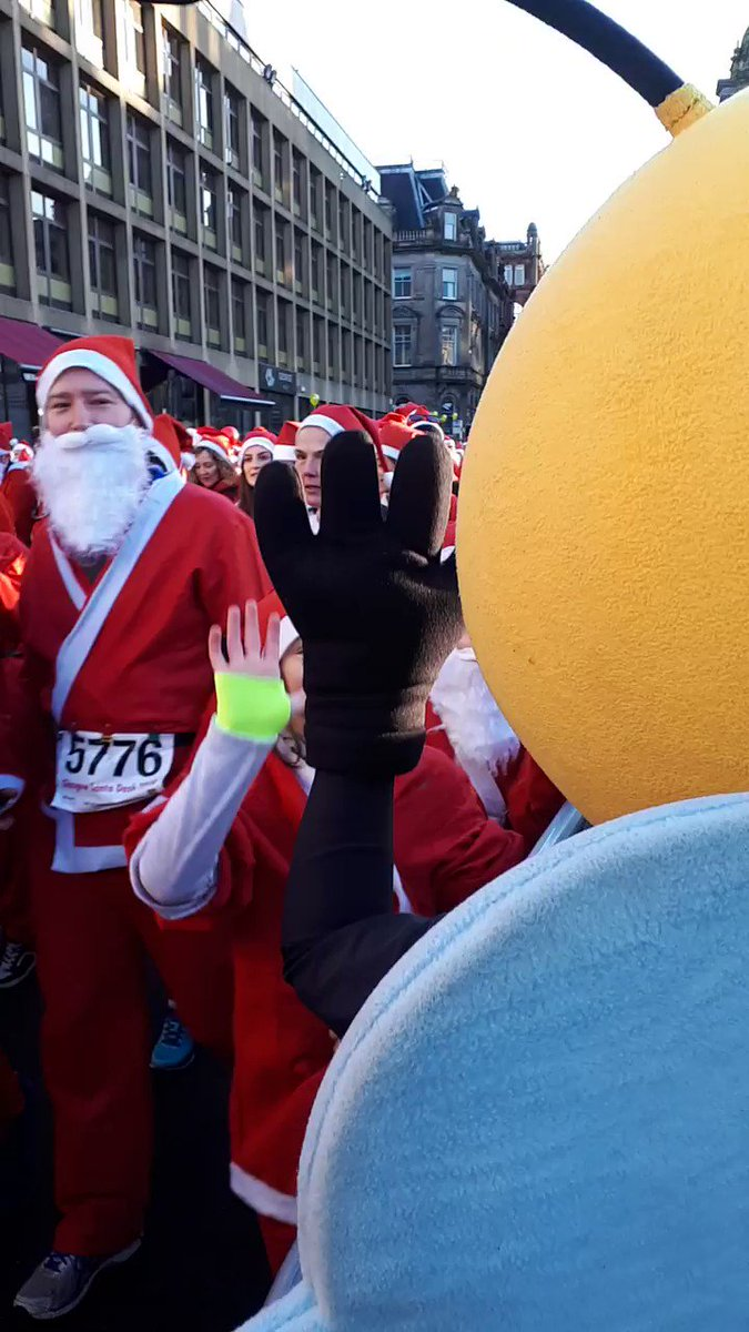 High 5 to everyone joining us this year at #SantaDashGlasgow next week! 🖐️   Who will you be running with? 🎅🎅🎅  There's still time to sign up! So dust off your Santa suit and click the link below to get involved 👇  #TeamBeatson