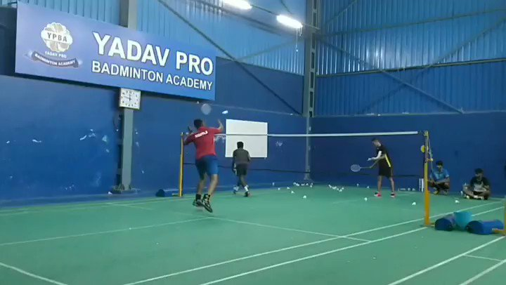 Some interception multi by our Indonesian Coach Gilly to our player madhu at Our Professional Excellence center in JP nagar , Bangalore .#badmintonindonesia🇮🇩#badmintonindia #badmintontime🏸#badmintontime #badminton #bulutangkis #bwf #bai #kba  #yadavprobadminton #skyfinch