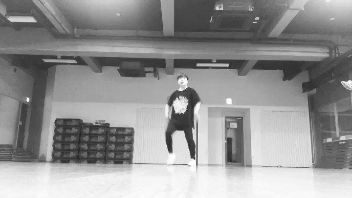 はるかちゃんに心撃たれて踊ってみたよ~🔥🔥🔥この日覚えたてで撮ったから間違えずに踊るので精一杯😭もっとスムーズに踊れるようになったらまたリベンジする!見てくれたら嬉しいです︎☺︎(@01haruka15 ) #SEVENTEEN #HIT #seventeenhit #Dance #チェゴ #Chego #hit