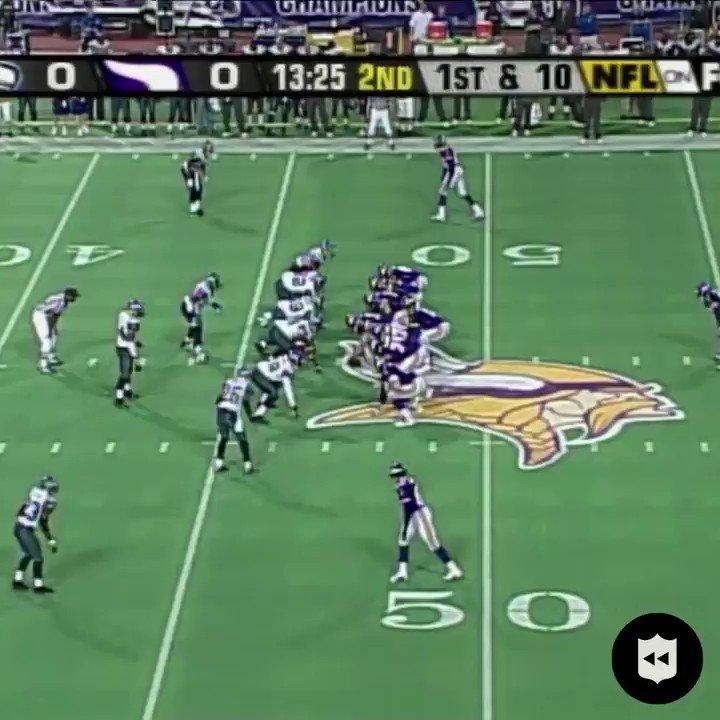 With @RandyMoss split out wide, let it fly Daunte Culpepper! #SKOL (Dec. 7, 2003) #MINvsSEA: Tonight at 8:15pm ET on ESPN
