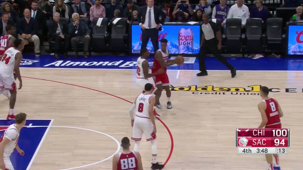 🚨 Buddy Hield cuts it to 4! 🚨  #SacramentoProud 96 #BullsNation 100  3:39 remaining on @NBATV. https://t.co/zZ7wZWRs2H
