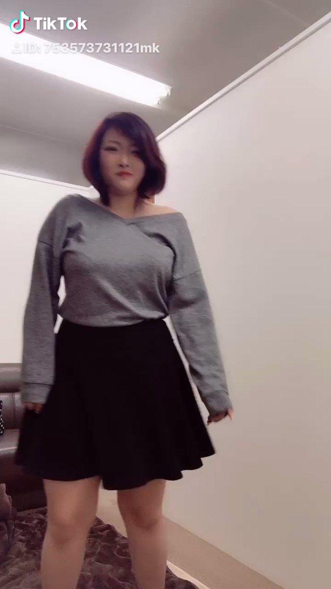 昨日暇だったから、TikTok撮ってみた、やっぱりデブだとかっこよく踊れないゎ( ´・ω・`)痩せよ。