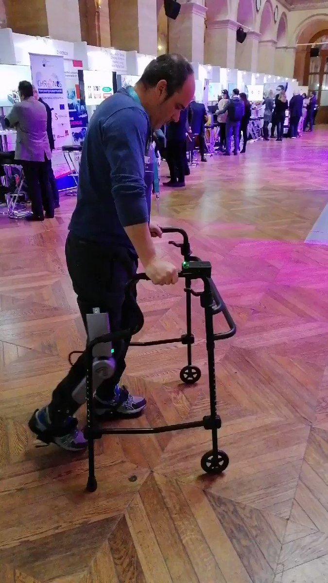Today Ivan, a complete paraplegic individual, is #walking with the #ABLE #exoskeleton at #EITHSummit in Paris🇨🇵. Visit us at booth 1! #InternationalDisabilityDay @EITHealth @EIT_Health_es @CIMIT @biocat_cat @CIMTI_cat @CaixaCiencia @la_UPC @IGuttmann