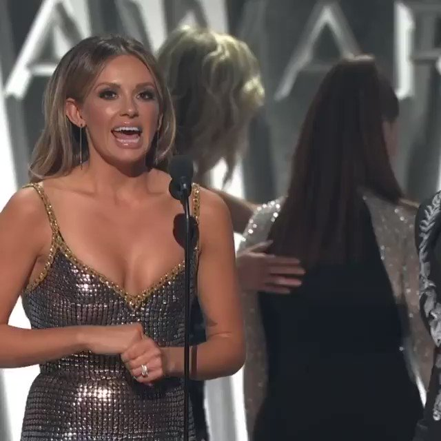 Our #CMAAwards speech was somethin 😂👏🏼