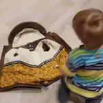 最後の笑顔もすごくキュート!子供でも一人で上着を簡単に羽織る方法!