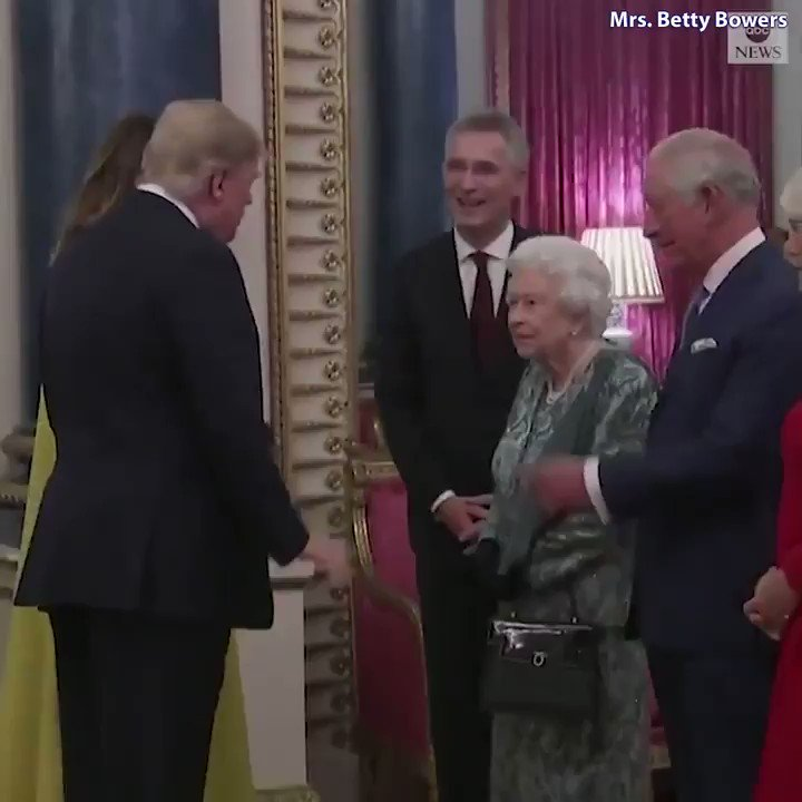 Replying to @BettyBowers: The future King of England flipped off Donald J. Trump today.
