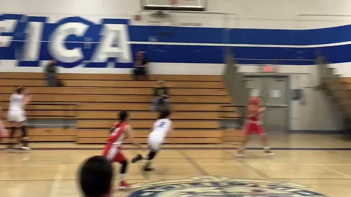 @RealDeanCain Can you say teamwork and 3 pointer by my daughter, Hannah. Go #LoaraHighSchool
