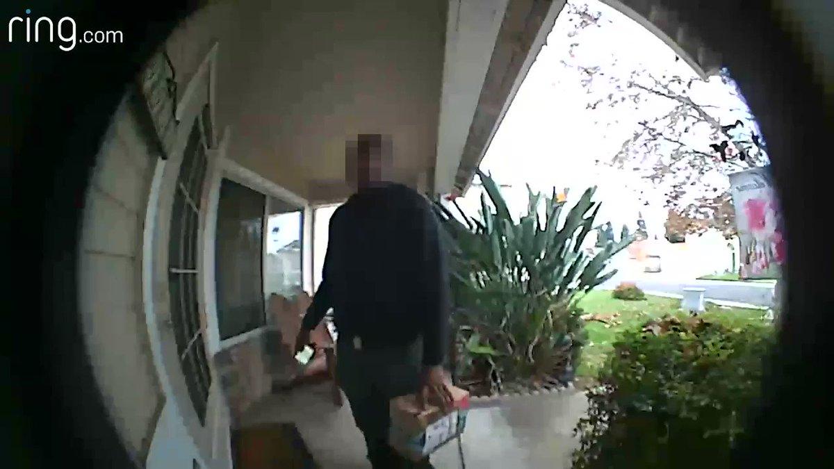 États-Unis : un livreur Amazon danse en voyant les friandises laissées par une cliente devant sa porte