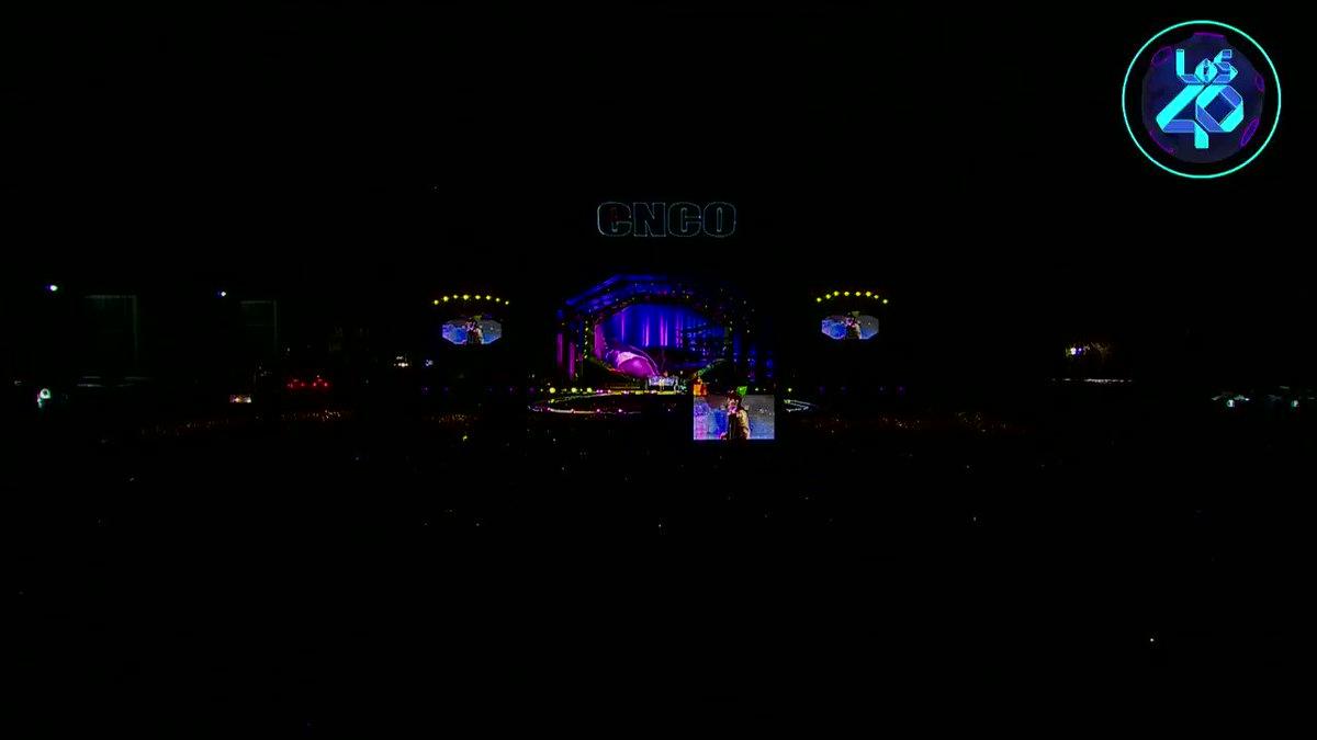 ¿Quién quiere bailar pegao? ❤️😎 @CNCOmusic en #ElEvento40 🎶 Conéctate en streaming