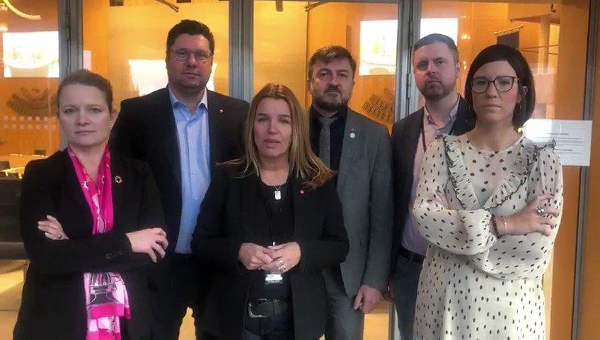 Socialdemokraterna i trafikutskottet står kvar på rätt sida av historien🌹 Vi samarbetar inte med SD.