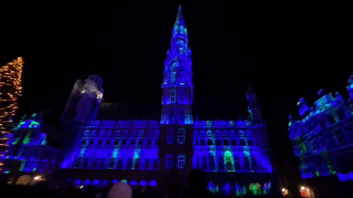 グランプラス広場夜のライトアップショー!! 昼の荘厳さとは打って変わって夜はエレガントさがやばい  #neetrip #grandplace #Belgium #Brussels #christmas