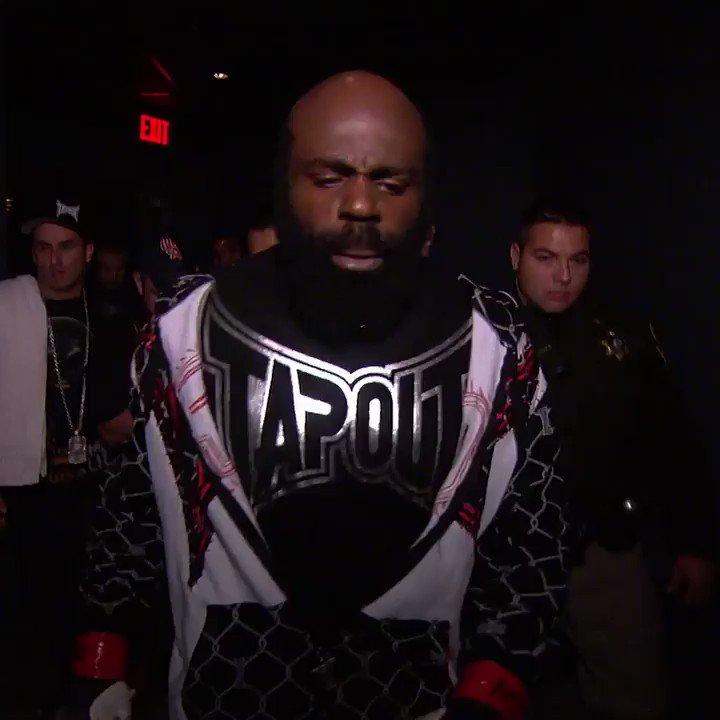 Corría el 2009 cuando un día como hoy el legendario Kimbo Slice se ponía los guantes del UFC para pelear en el Octágono 👊  Mira más combates como este en @UFCFightPass http://bit.ly/34Wo1hJ