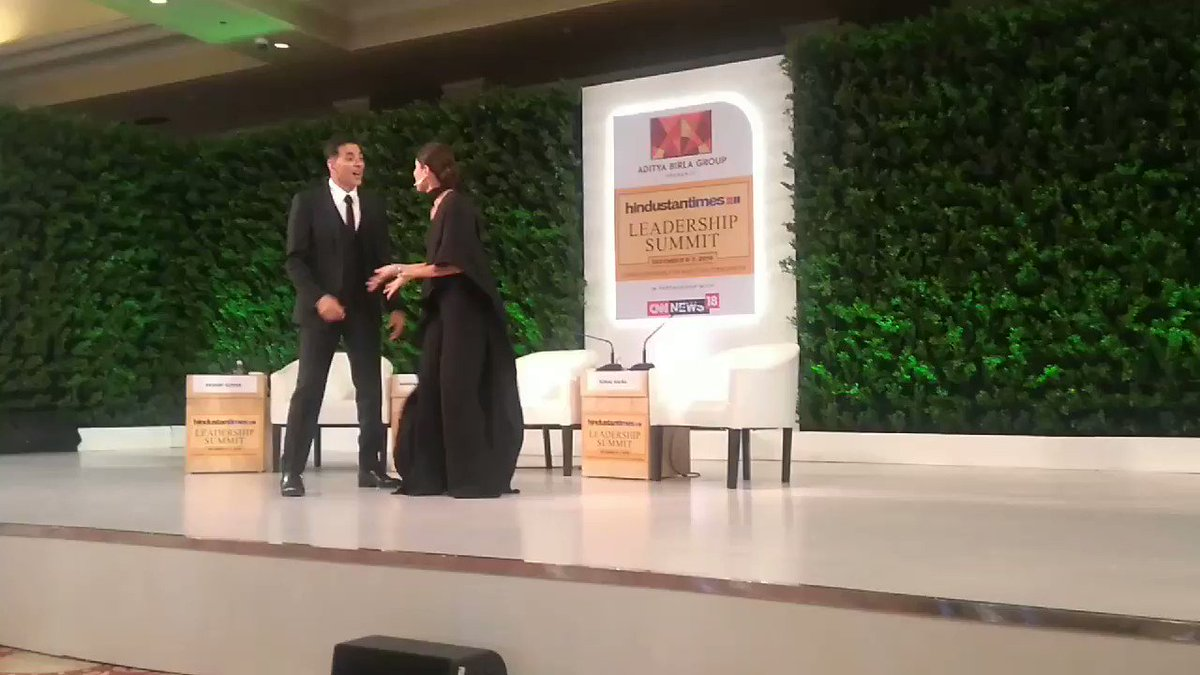 And once again, we're set to break the internet. Presenting to you @akshaykumar #KareenaKapoorKhan dancing on #SaudaKharaKhara at the Hindustan Times Leadership. It can't get bigger and better than this. #HTLS2019 #HTLS #GoodNewwz Check for @sonalkalra's cameo. @htTweets