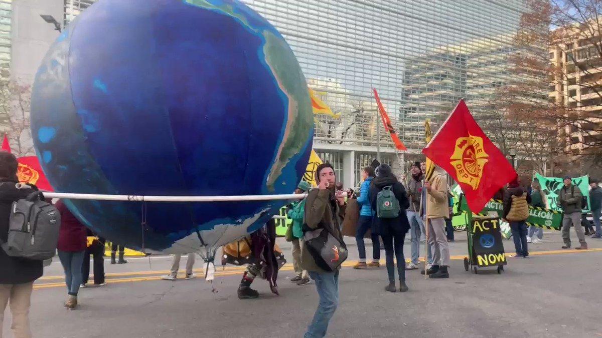 DC Traffic Grinds To A Halt As 'Extinction Rebellion' Shouts 'We Trust Bill Nye'