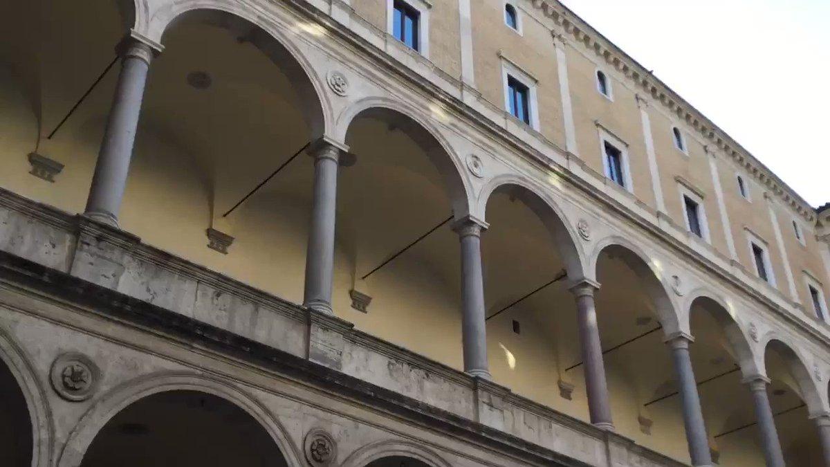 #Roma #Italia #architechure  Il Rinascimento    PALAZZO della CANCELLERIA APOSTOLICA  Il Colonnato del Cortile