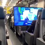 こんな人いる??スイスの電車客席がフリーダムすぎる