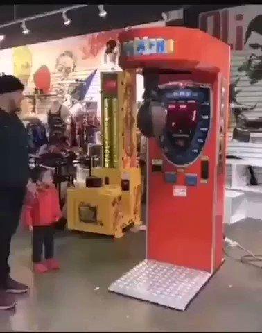 Awww, su primer knockout.