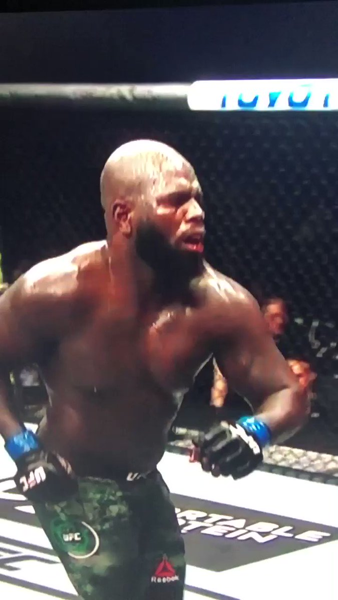 @BarstoolsTweets's photo on Overeem