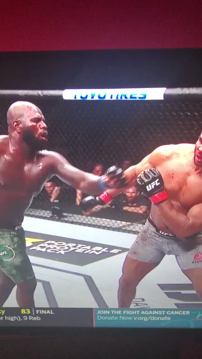 You can see his lip completely fly off from that Jairzinho Rozenstruik just woke everyone up. I feel bad for anyone that bet Overeem winning. #UFCDC