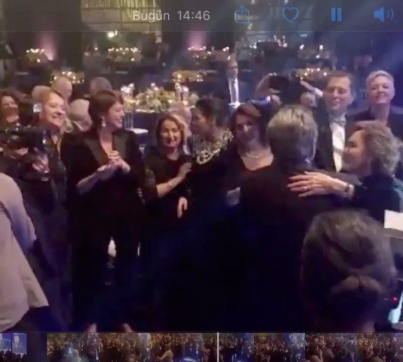 Doğan Holding Sahibi Aydın Doğan iş hayatındaki 60. yıldönümünü Cumhurbaşkanı  Erdoğan'ın da katıldığı bir törenle kutladı Şevval Sam eşliğinde Aydın Bey ile Sema Doğan'ın dansları geceye damgasını vurdu Yönetim Kurulu Başkanı Begümhan Faralyalı ve yakın çevreleri gecedeydi