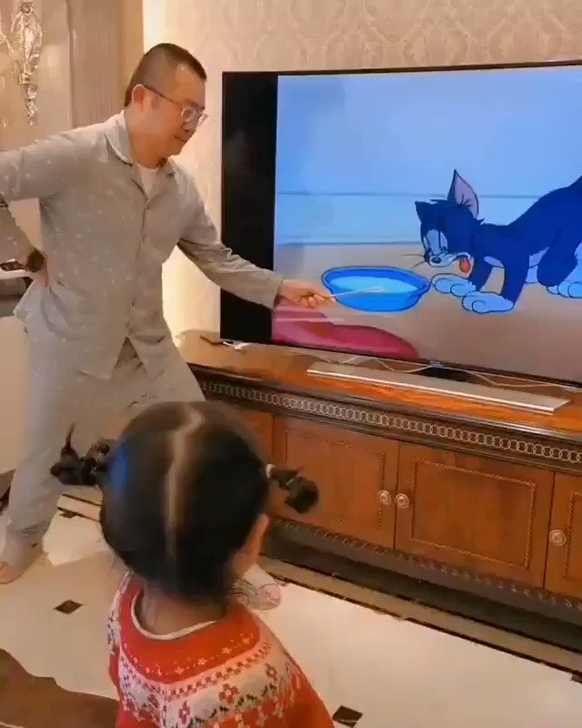 This little girl has a great father ( U/amerxb00 imgur/gallery)