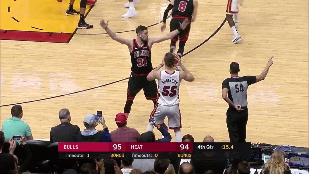 TYLER HERRO FROM DISTANCE FOR THE LEAD... GOT IT! 🔥  @chicagobulls 95 @MiamiHEAT 97  7.1 left on NBALP: https://nba.app.link/leaguepass2