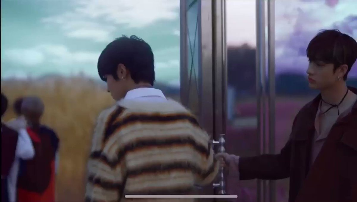 #StrayKids_Levanter @Stray_Kids this part is literally making me cry so much. it felt like i.n was waiting for woojin:(