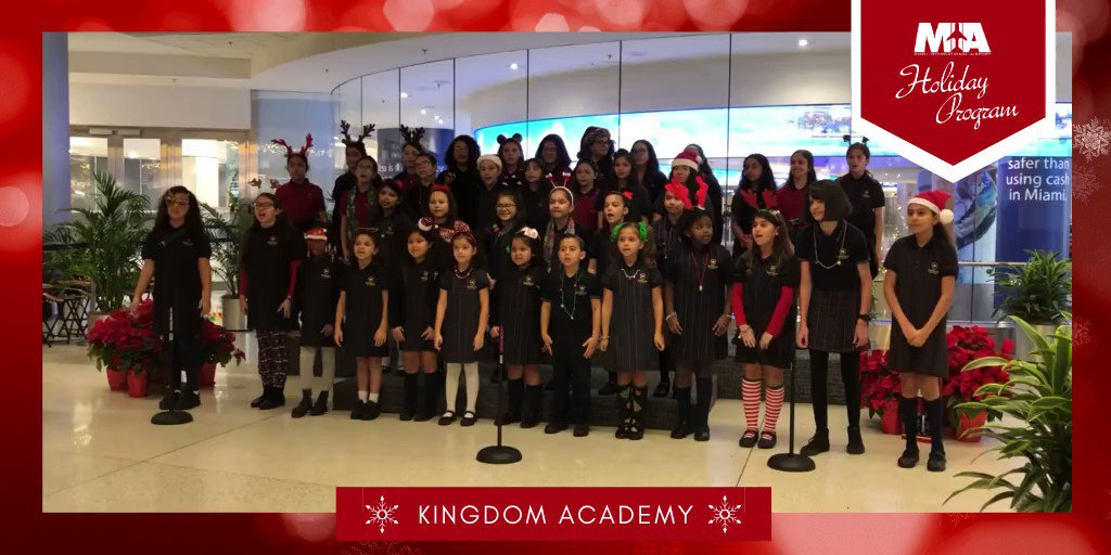 Today marked day 1️⃣ of our holiday extravaganza ⛄️ & the terminal was jingle bell rockin'! Big thank you to @KingdomAcademy1 for their amazing performance. #ItsAWanderfulLife ✨