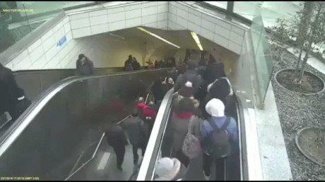 動いてないエスカレーターを非常用の階段として使用しない方が良い理由