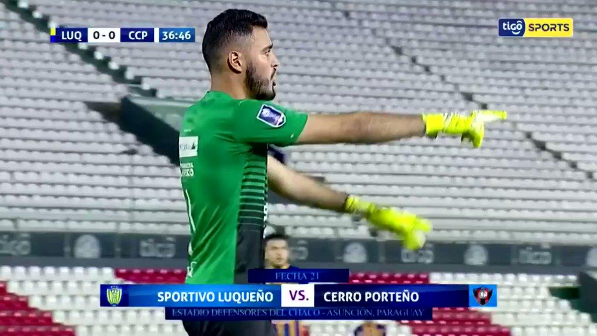 Con este gol olímpico, el Pachi Carrizo abrió el marcador del encuentro 🤪 #CerroSomosTodos 🔵🔴
