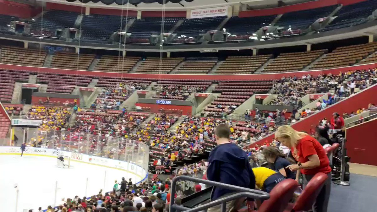 Around 6,000 students from across the tri-county area at the BB&T Center today for a STEM presentation by #FlaPanthers employees, and of course for some hockey!