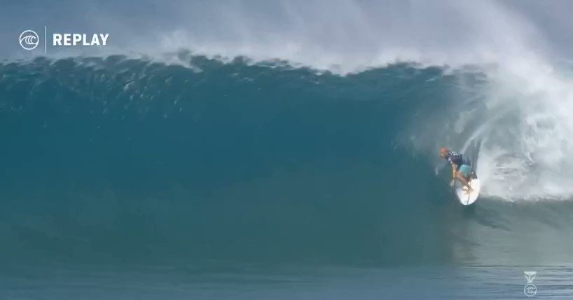 Watch 47-year-old Kelly Slater score a perfect 10 at Pipeline