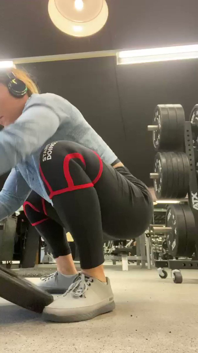 My squat warmup- if done properly, you should feel core and posterior chain activations, hips opening. Wiggle a bit and remember to spread weight equally across your feet like in squat. You'll feel core embracing well here when lifting your butt #squat #powerlifting