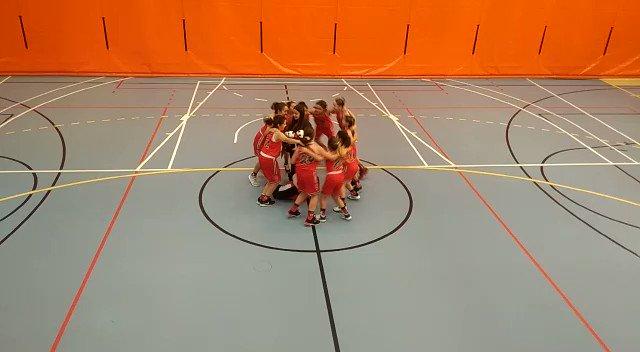 Image for the Tweet beginning: Grandísimo partido de las chicas