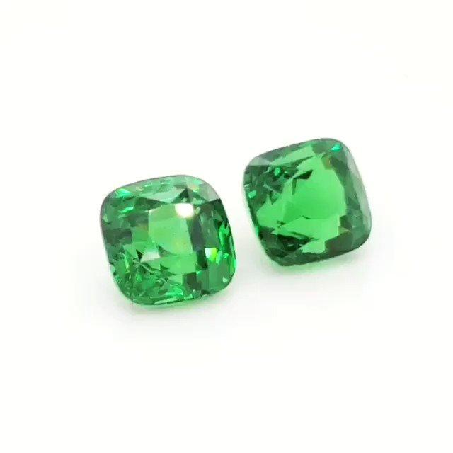 TSAVORITE, PAIR, 23.19 carat, GRS, Top #nikgems #gems #tsavorite #agtagemfair19 #gjx #NIKGEMS #greengarnet #garnet #cristies #sothbys #tsavoritegarnet #tsavo #gem #gemstonerings #gemstoneaddict #gemstonesjewelry #bitcoin #hongkong #dubai #london #bangkok #singapore #melbourne pic.twitter.com/V2XMdIMfyr