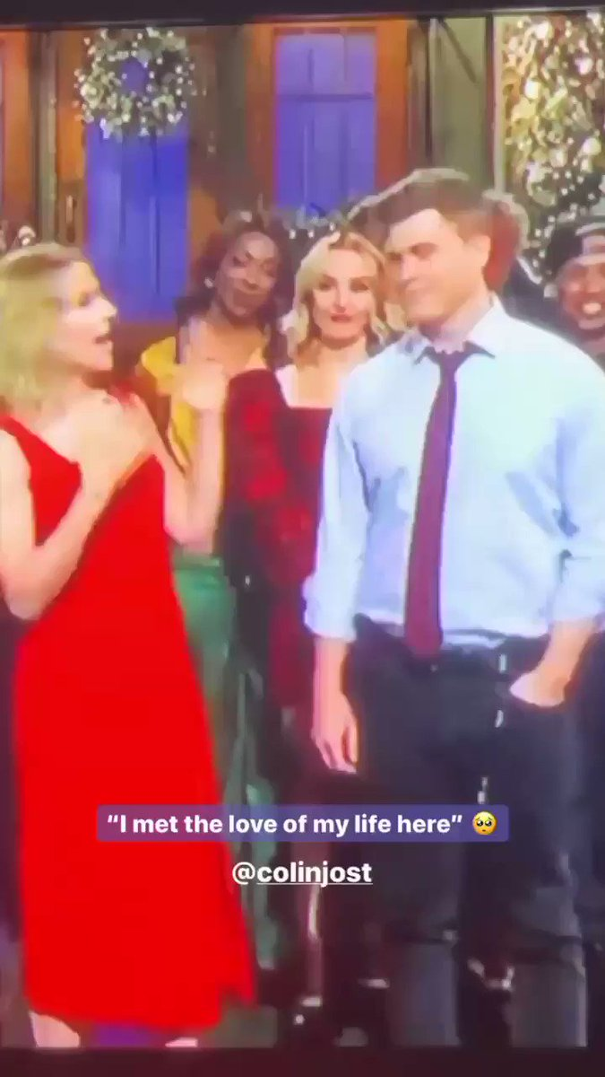 Scarlett & Colin are too cute. Look at them. Being all in love & shit.  #snl #ScarlettJohansson pic.twitter.com/2ZBGCMSbFU