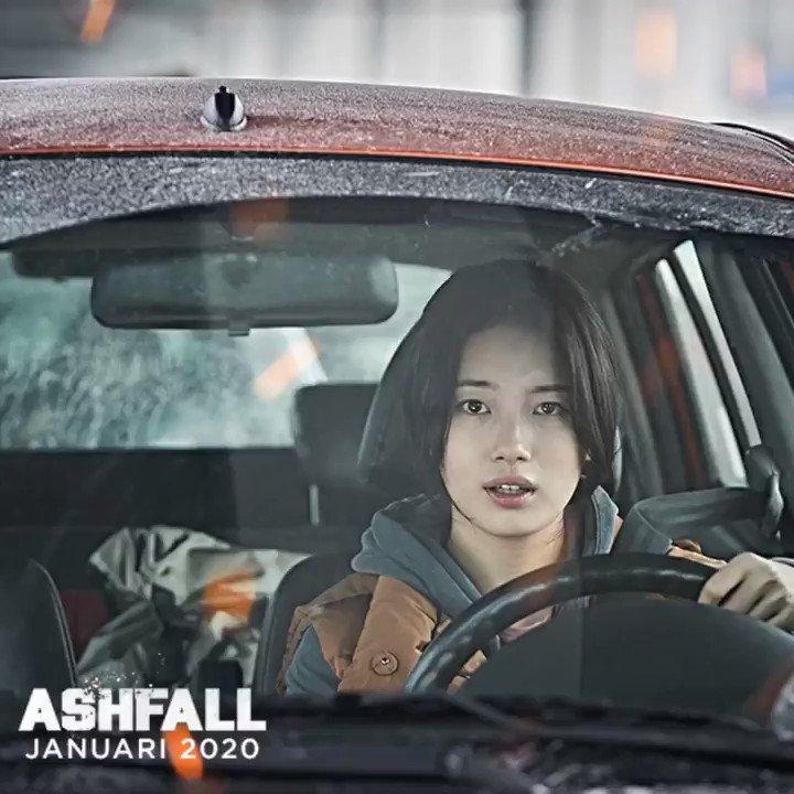 Mereka semua harus hentikan letusan gunung Baekdu. Atau seluruh daratan Korea akan tenggelam.   #Ashfall_ID segera tayang di bioskop.  .  Starring;  LEE Byung Hun,  HA Jung Woo,  MA Dong Seok a.k.a. Don LEE,  JEON Hye Jin,  BAE Su Zy