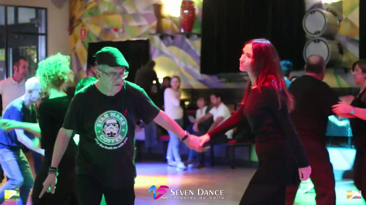 Image for the Tweet beginning: Merecemos bailar, no penar. #domingo #swingdance