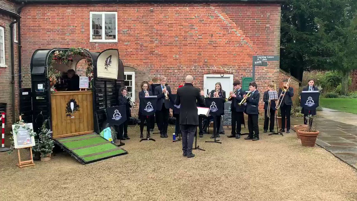 Earlier today, the brass band from @AmeryHillAlton performed Christmas carols for our visitors. They were fabulous - thanks everyone! 🎺🎶