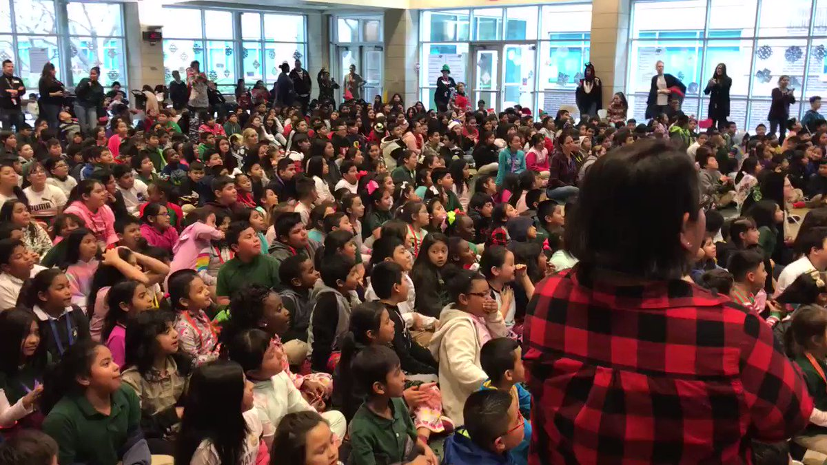 HoliYAY Singalong @CBEBears #RISDsaysomething