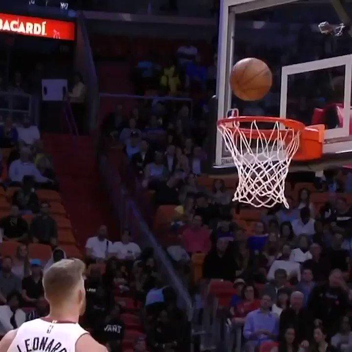 😂 Jimmy Butler's reaction to @MeyersLeonard stealing his rebound!