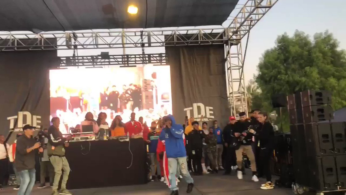 #TDEXMAS19 included @PulitzerPrizes winner @KendrickLamar performing his #GKMC classic live in the Nickerson Gardens. #TDE 🌲🎅🏾☃️🎅🏾🌲