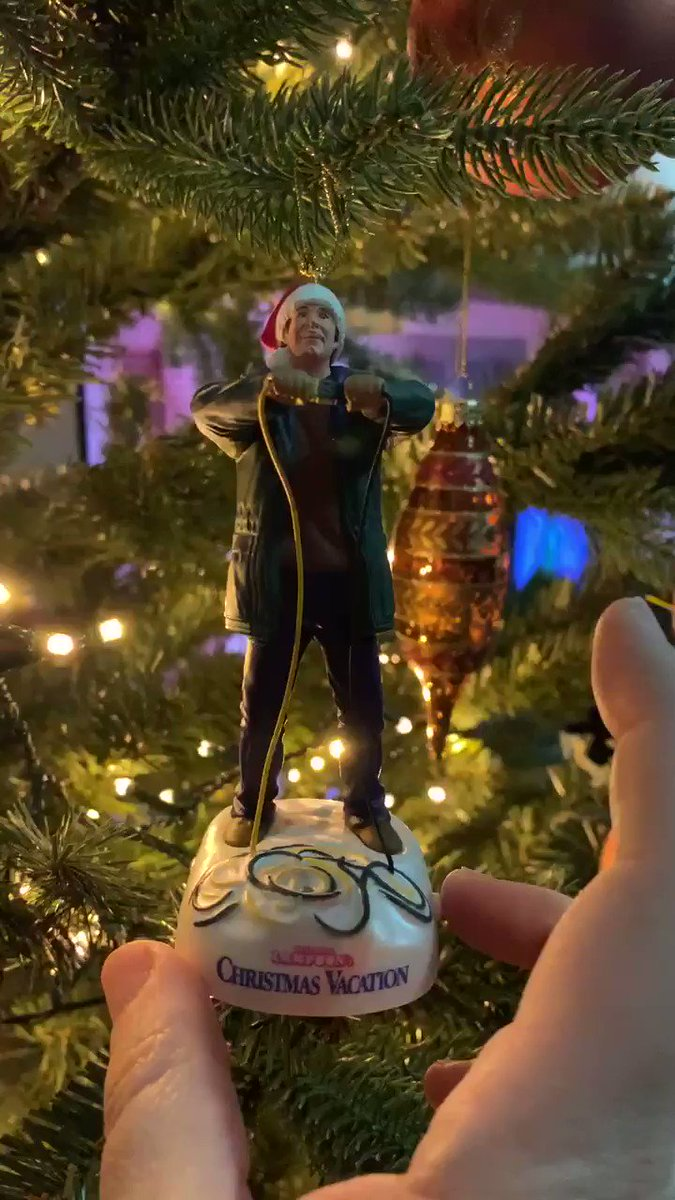 My favorite Christmas ornament.  Never gets old pressing that button . #ChristmasVacation #NationalLampoons #Christmas #ornaments #ChevyChase #Hallmark #Hallelujahpic.twitter.com/pcm5V8Hdof