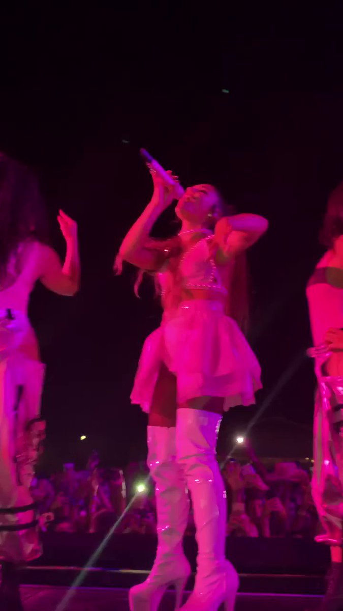 the most memorable night of my life :( i think about it every single day @ArianaGrande #ourSWT