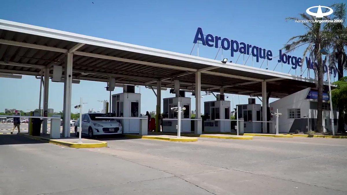 ... #PapaNoel paso por #Aeroparque... #FelizNavidad Oh! Oh! Oh! pic.twitter.com/UlSWzEaI6K