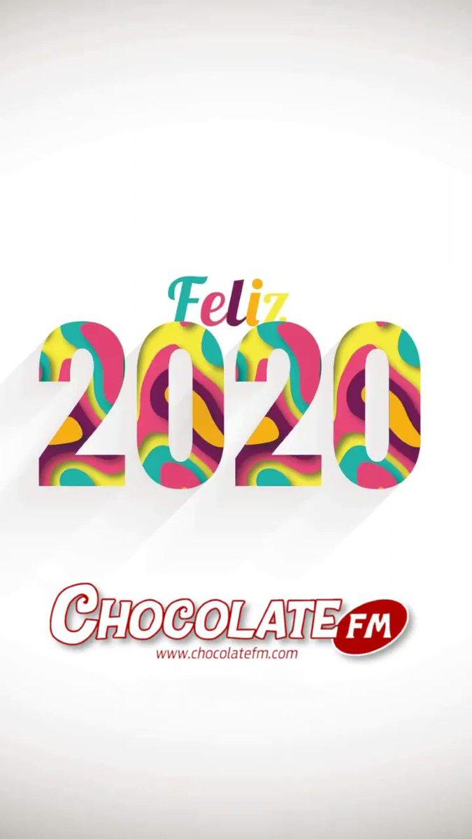 Image for the Tweet beginning: ¡Feliz 2020 desde ! 🥳🍫