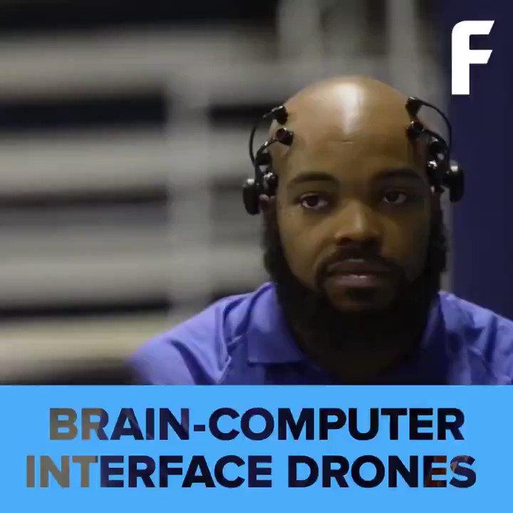These students are controlling the #drones using only their minds. by @futurism  #AI #Robotics #Robots #Autonomous #FutureofWork #4IR  Cc: @haroldsinnott https://t.co/2dm4miE5ni