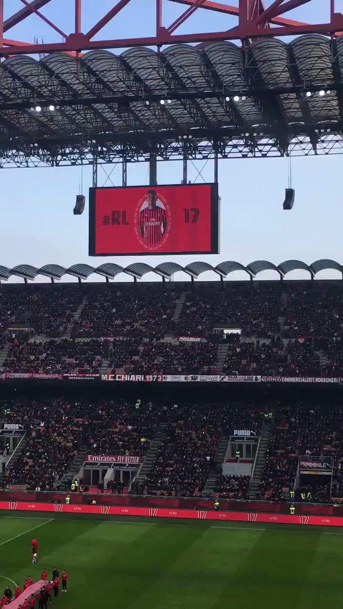 E con il numero 21... Zlataaaaan #ibrahimovic #MilanSamp @Ibra_official @acmilan @la_rossonera #MilanSampdoria #SempreMilan #IZBACK #MilanoSiamoNoi